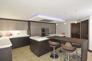 Siematic_S2_truffle-grey-matt_truffle-brown-pine_Hindle_Preston-3