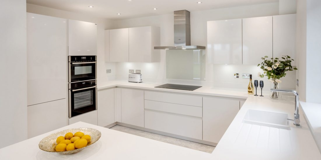 Stuart Frazer Contracts - SieMatic - White Kitchen - Edgefold Homes - Seddon Homes